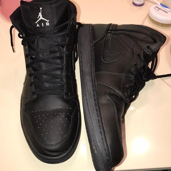 promo code 07402 5e9a6 All Black Retro Air Jordan 1 Mid Size 14